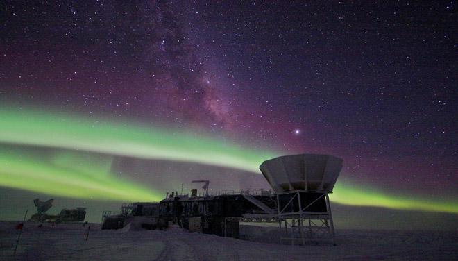 aurora-australis-in-antarctica