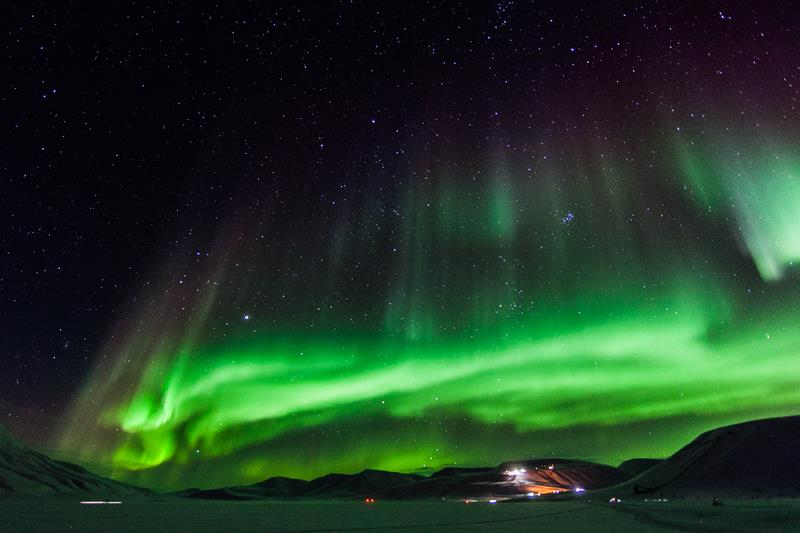 aurora-borealis-in-svalbard