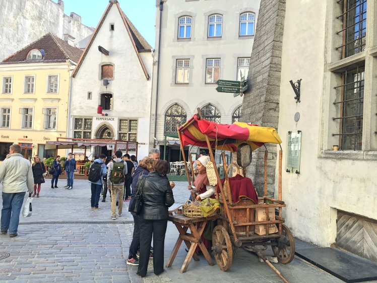 street-food-seller-in-tallinn