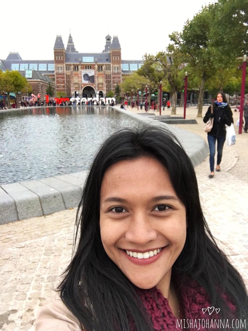 I amsterdam - selfie