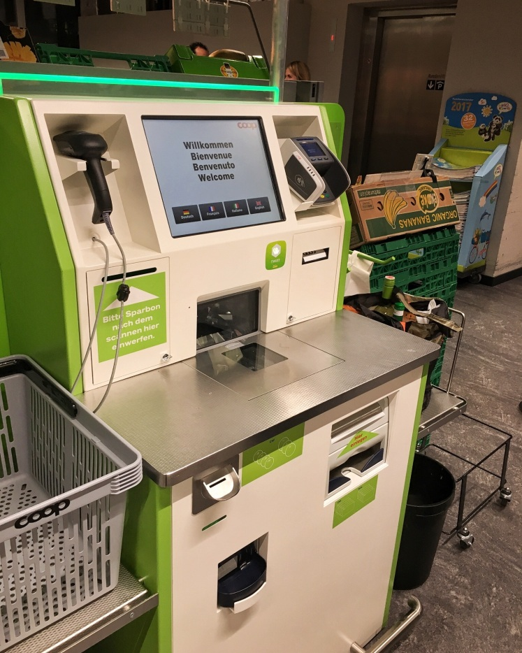 Self-service cashier machine